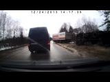 Магнитовская фура улетела в кювет 24.12.2013